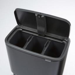 brabantia/ブラバンシア Boタッチビン ステンレス 「3分別」容量:11L×3  資源ごみの分別にも便利な多分別タイプ。