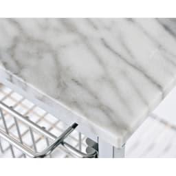 キャスター付き マーブルトップスリムトローリー 4段 【マーブル天板】 美しい天然大理石の天板には熱いものを直接置くことができます。