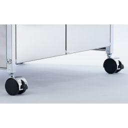 ステンレス製ダストボックスワゴン 2分別タイプ キャスターも付属しているので、移動も楽に行えます。