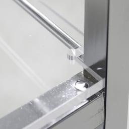ステンレス製キッチンワゴン 幅43.5cm 2段目はアクリル棚板で、美しく圧迫感も軽減。