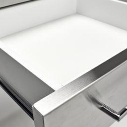 SmartII スマート2 ステンレスシリーズ 間仕切りオープンキッチンカウンター 幅90.5cm高さ85cm 引き出し内部は清潔感のあるホワイトカラーの化粧仕上げで、収納物に配慮しました。