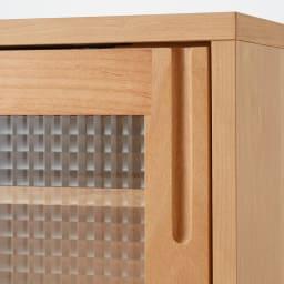 Pippi/ピッピ カウンター下収納庫 引き戸 幅150奥行32cm 取っ手はつかみやすい形状を選び、キッチンでのストレスを軽減。
