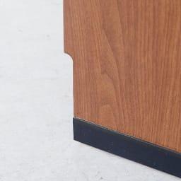 Sorrento/ソレント リビングキャビネット 幅76高さ95cm ガラス扉 LED照明付き 背面の幅木除けカット(1×10cm)で、壁にぴったり付けて設置できます。