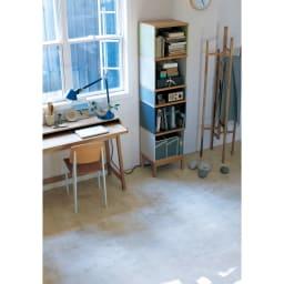 Abbey wood アビーウッド ブックケース お部屋にフォーカルポイントを作るのがインテリア上級者の技。異なる色のパネルが印象的な細身の本棚は、置くだけで魅力的なコーナーが完成します。