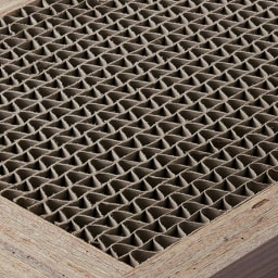 Pombal/ポンバル シェルフ 4連セット 高さ114cm 棚板など部材の内部はハニカム構造で強度を高めています。