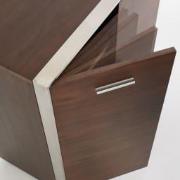 Glan Plus/グラン プラス デスクシリーズ キャビネット 幅80cm 扉はソフトクロージング仕様で、大きな音を立てずにゆっくりと静かに閉まります。