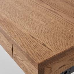 Brook(ブルック) ウッドデスクシリーズ デスク 幅150cm 主に北海道で採れるミズナラは、厳しい環境に耐えて育つため、きめ細かな木目が特徴