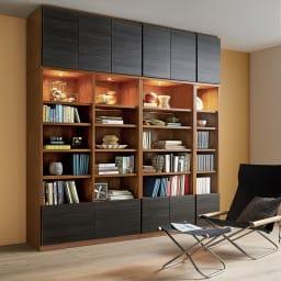 K´astani/カスターニ バイカラーコレクション本棚 本体 奥行45cm・幅79 高さ180cm コーディネート例※お届けは幅79cmです。
