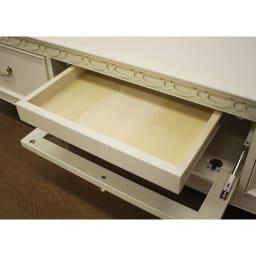 エレガントクラシックシリーズ テレビボード・テレビ台 幅150cm デッキ収納部の内部には、取扱説明書やリモコンの収納に便利な引き出し付き。