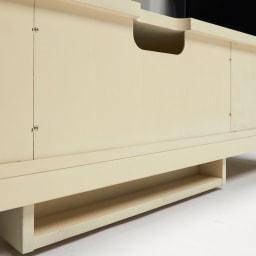 エレガントクラシックシリーズ テレビボード・テレビ台 幅150cm 背面下部には配線ケーブル類の収納スペース。背面もすっきり美しく収納できます。