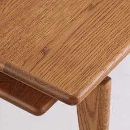 a tempo/アテンポ オーク天然木 リビングテーブル・センターテーブル 幅120cm 角のとれた丸みのあるフォルムが木の温もりを引き立てます。