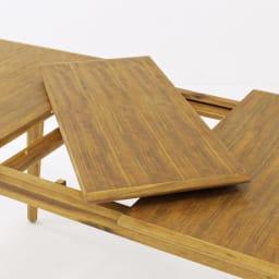 EDDA/エッダ 北欧スタイル伸長式ダイニングセット テーブル&チェア 5点セット 天板を左右に伸長し天板下に収納されている伸長版を設置すれば簡単にワイドサイズになります。 ※実際の商品色よりも薄く写っておりますので、商品色はメインカットをご参考ください。