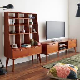 北欧ヴィンテージ風Vカットデザイン テレビボード・テレビ台 幅150cm コーディネート例