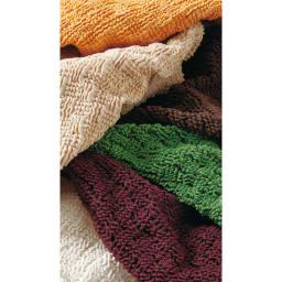 スペイン製ソファカバー [Tina ティナ] アームなし 【生地アップ】サラっとした肌触りのしっかりした織り生地。上からイエロー、ベージュ、ダークブラウン、グリーン、パープル、アイボリー