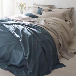 French Linen/フレンチリネン カバーリング ピローケース(同色2枚組) [コーディネート例]ベージュ ※お届けはピローケースです。 ※麻の風合いを出すために洗いざらしの状態で撮影しています。
