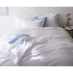 FrenchLinen/フレンチリネン100%  ベッドシーツ(フリルカバーリングシリーズ) [コーディネート例]ホワイト ※お届けはベッドシーツです。