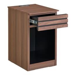 AlusStyle/アルススタイル チェストシリーズ ナイトテーブル 幅30cm高さ50cm お届けはこちらのナイトテーブルです。引き出し付きで小さいものの整理にも。