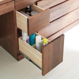 天然木 スライドワードローブ ドレッサー(椅子付き) 引き出しは深型で、背の高いボトルやスプレーが立てて収納できます。