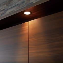 klaren/クラーレン LED付きギャラリー クローゼット ハンガー&引き出し 幅80.5cm LEDが紡ぎ出すやわらかな陰影が空間をスタイリッシュにランクアップ。