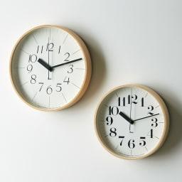 RIKI CLOCK/リキクロック 電波時計 径25.4cm[デザイン:渡辺力] 左からサンセリフ体、セリフ体 ※お届けは右のSサイズです。