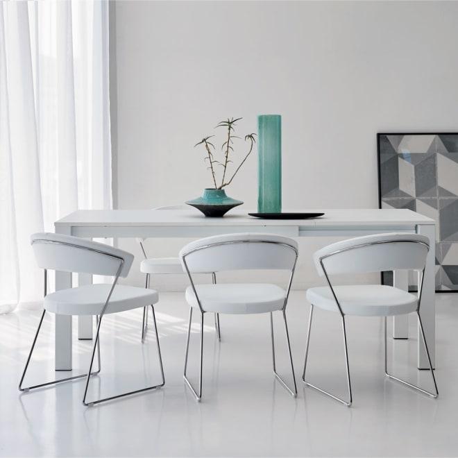 5点セット イタリア製伸長式ダイニングテーブル+NewYorkチェア4脚  テーブル幅130cm(伸長時190cm) ホワイト(テーブル伸長時)