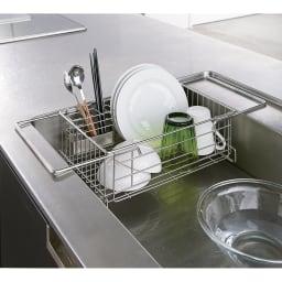 頑丈シンク深型スライド水切り シンク内に水切りを設置するというアイデアで、こんなに便利に。