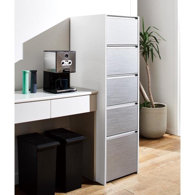 Ymir/ユミル キッチンタワーチェスト収納庫 幅45cm奥行55cm高さ156cm 増える買い置きを管理しやすく分類収納。タワーチェスト型のキッチンストッカー。