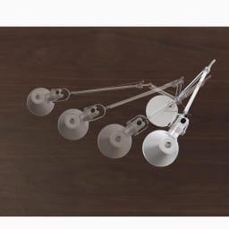 デスクライト TOLOMEO Mini TAVOLO LED/トロメオ ミニ タボロ LED[Artemide・アルテミデ/デザイン:ミケーレ・デ・ルッキ] ワイヤーで支えることによりアームが大きく動き、ヘッド部分も360度角度が変わるため、光を当てたい部分をピンポイントで照らします。