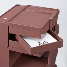 【台数限定208台】Boby Wagon/ボビーワゴン3段3トレイ HOUSE STYLING別注カラー・ココアブラウン[B-LINE・ビーライン/デザイン:ジョエ・コロンボ] トレイはA4サイズの紙が収まります。