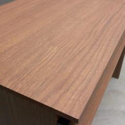 AlusStyle/アルススタイル 薄型ホームオフィス デスク 幅100.5cm 天板にはウォルナット柄をリアルに再現した、キズ汚れに強い強化紙を採用。