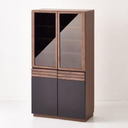 Alus Style/アルススタイル コンパクトホームオフィス ブックシェルフ幅80cm 側面には、ウォルナット柄をリアルに再現した表面材を使用。サイドから見てもシックな雰囲気の仕上がり。
