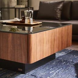 収納付きガラス天板リビングテーブル120cm×80cm[国産] 角は丸みのあるデザインになっています。