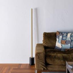 ネオマンクス LEDバーライト ブラス 専用の大理石スタンド(別売り)と組み合わせると、スタンドライトとしてもお使いいただけます。