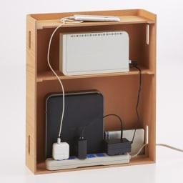 大容量曲木スリムルーター収納 ロータイプ (イ)ナチュラル ルーターやモデムから電源タップまで収納、コード類もすっきり配線できます。