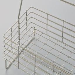 ステンレス製シャンプーバスケット  ワイド (アメニティワイドバスケット) 細かな格子状の底で、物が抜け落ちにくく、洗顔フォームや細身のボトルなども倒れにくい構造に。