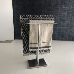 オールステンレス製 バスタオルタオルハンガー 奥行きスリム 4連