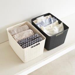 CURVER JUTE/カーバージュート バスケットワゴン バスケット3段 収納例:洗濯物の仕分けや家族の着替えのパジャマ等の分別に。 (※お届け商品のバスケットは同色です)