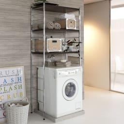 モダンランドリーラック 棚3段 ダークブラウン 落ち着いたモダンな空間を演出するデザイン。洗面所を上質な空間に変えてくれます。