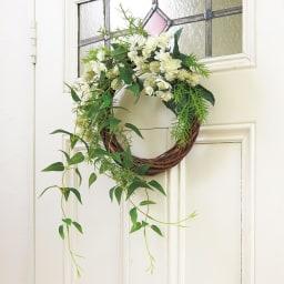 ウッドベースのアレンジメントリース (ア)アストランチア 玄関やドアにかけても素敵です。