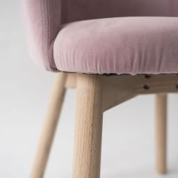 Ridge/リッジ ダイニングセット 天然木丸テーブル5点セット テーブル直径110cm 座面はしっかりとした厚みのあるつくり。見た目の美しさと座り心地を両立させました。