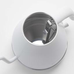 DeLonghi/デロンギ アイコナ 温度設定機能付き 電気ケトル 【KBOE1230J-W/KBOE1230J-GY】 ケトル内部にもメモリがあるので、水を入れながらでも水量が分かります。