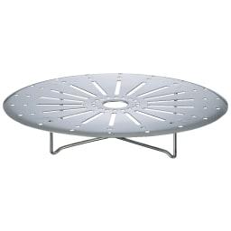 ステンレス3層鋼DONABE 土鍋24cm+蒸し板 ヘルシーな蒸し料理も楽しめる蒸し板がセットされています。