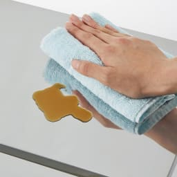 ステンレス天板キッチン作業台 コンセント付き作業台 幅68cm 水に強いステンレス天板でお手入れも簡単。