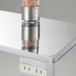 ステンレス天板キッチン作業台 コンセント付き作業台 幅68cm 天板は美しいステンレス。
