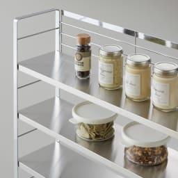 ステンレス棚スパイスラック ポット無し フラットな棚板でお手入れしやすい。