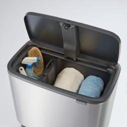 brabantia/ブラバンシア Boタッチビン ステンレス 掃除用具などの日用品もおしゃれに目隠しできます。
