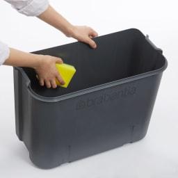 brabantia/ブラバンシア Boタッチビン ステンレス 中のバケツは水洗い可能で清潔です。