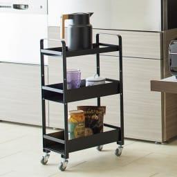 アイアンストレージワゴン 小サイズ 幅38奥行21cm高さ66cm[COLLEND・コレンド] キッチンで小回りの利くスマートなサイズ感が魅力です。