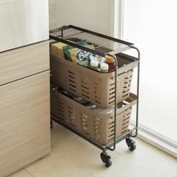 薄型アイアンワゴンバスケット・キッチン収納ワゴン バスケットは重ねて2つともワゴン内に収納可能。コンパクトにまとまります。