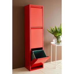 DOTTUS/ドッタス ダストボックス3段(3分別ゴミ箱)幅34cm奥行24cm高さ136cm イタリアらしいレッドはキッチンのアクセントにぴったりの明るいカラー。
